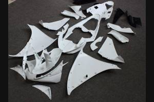 Complete and unpainted fairings in abs with front fender