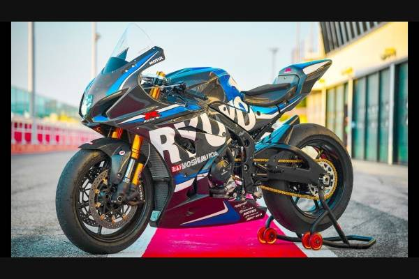 Complete and painted fairings SZ17 RUJ