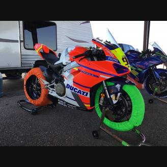 Complete and painted fairings with back seat Neoprene seat DUCV4MT18VS2