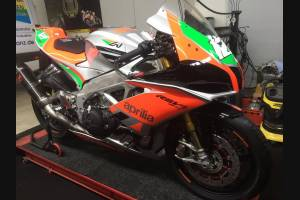 Complete and painted fairings  RSV4RFW