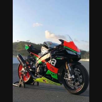 Complete and painted fairings   RSV4 AP15 VTC