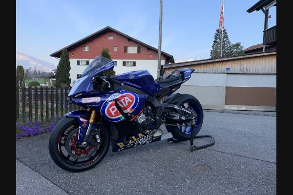 Complete and painted fairings Yamaha R1 2015 - 2018 SB18