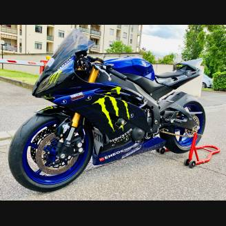 Complete and painted fairings YAMR6 D MT19