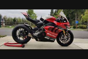Painted street fairings in abs compatible with Ducati Panigale V4R for Akrapovic exhaust - MXPCAV12761