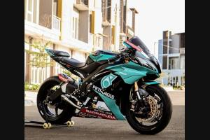 Painted street fairings in abs compatible with Yamaha R6 2006 - 2007 - MXPCAV12275